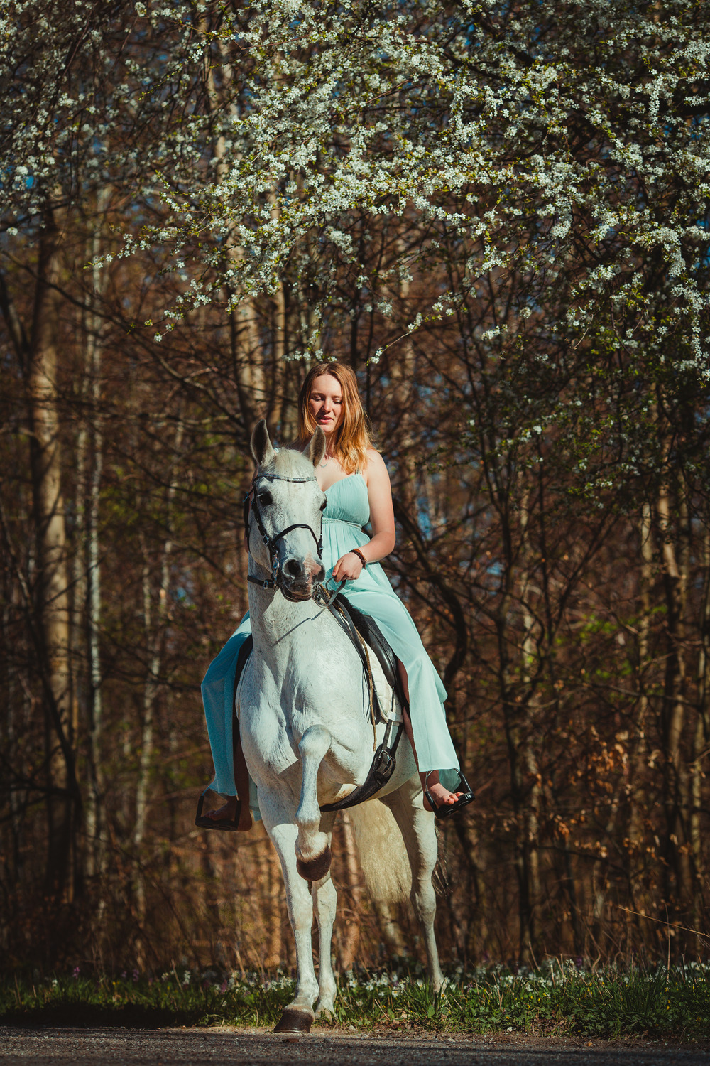 white-horse-photography-pretty-dress-sara-kroell-andersen02
