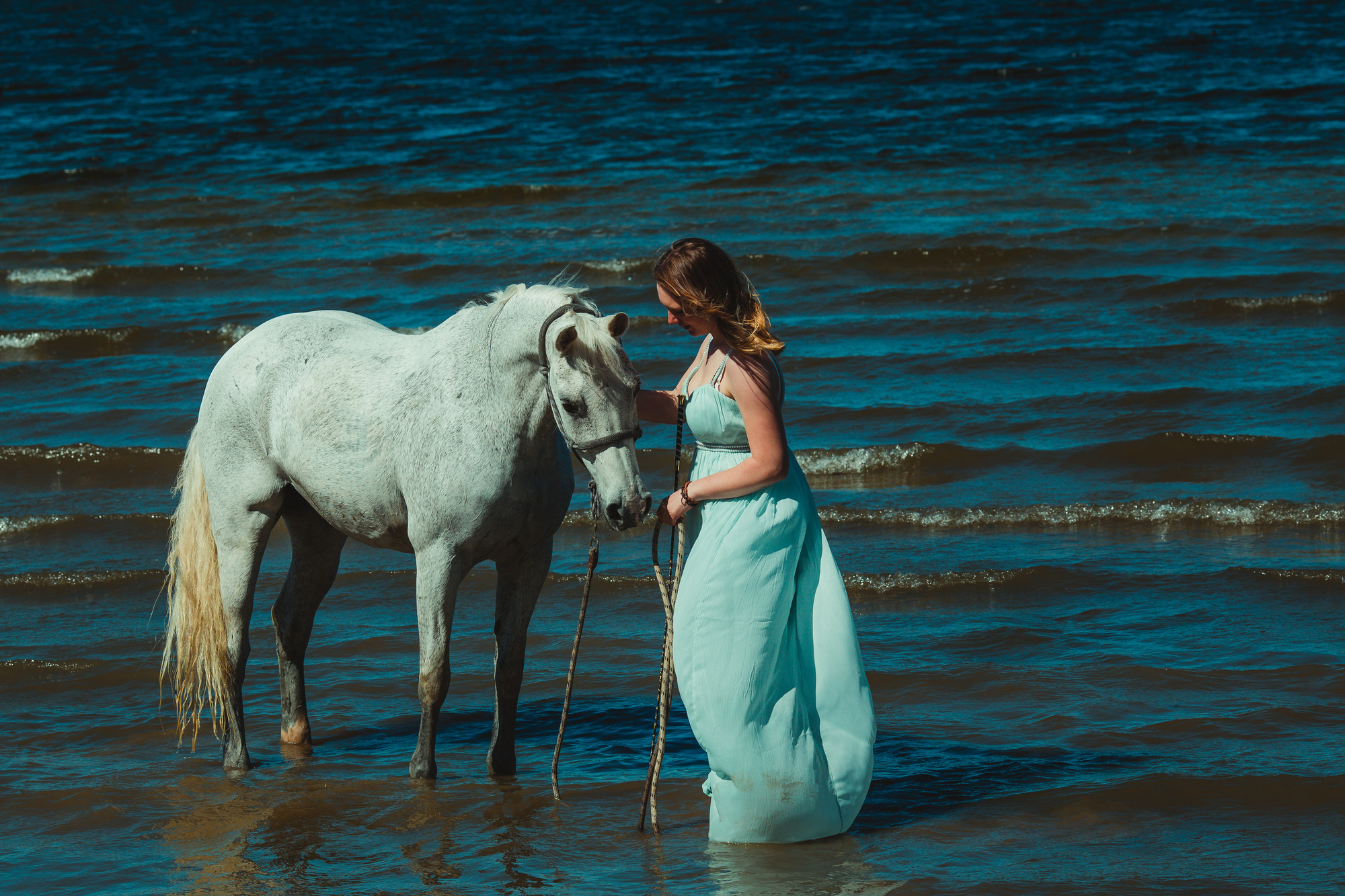 white-horse-photography-pretty-dress-sara-kroell-andersen16