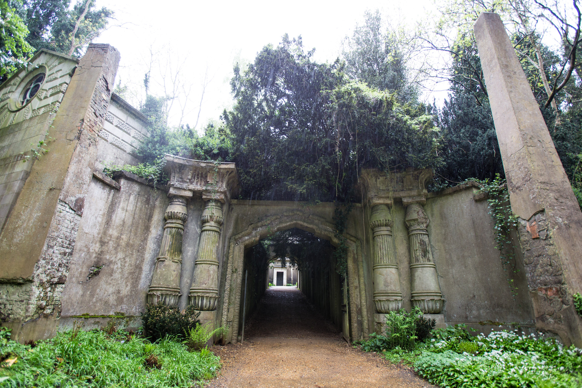 egyptian-highgate-cemetery