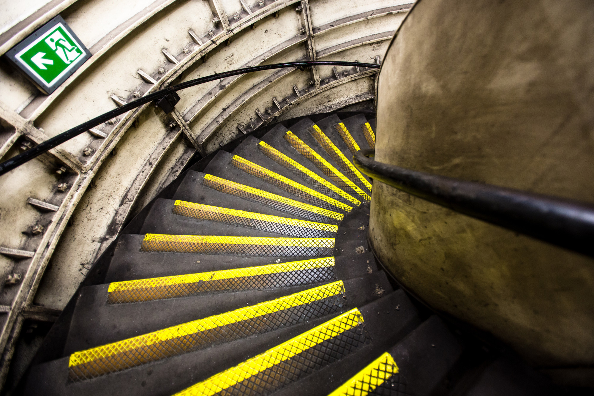 london-tube-stairs