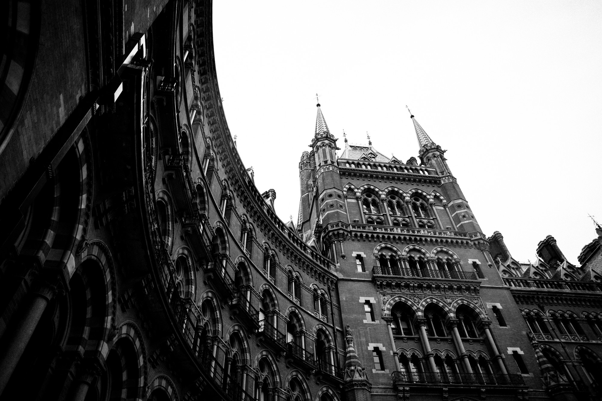st-pancras-black-and-white