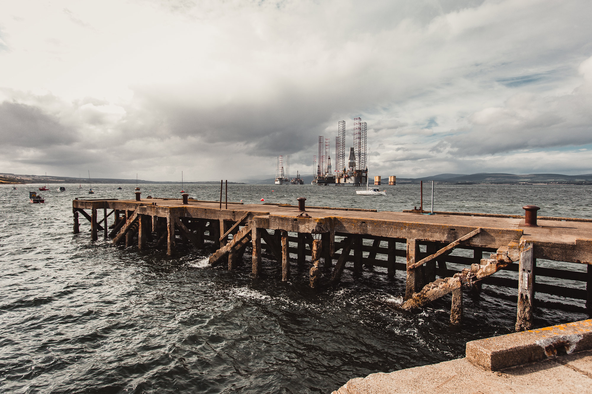 cromarty-oil-platforms