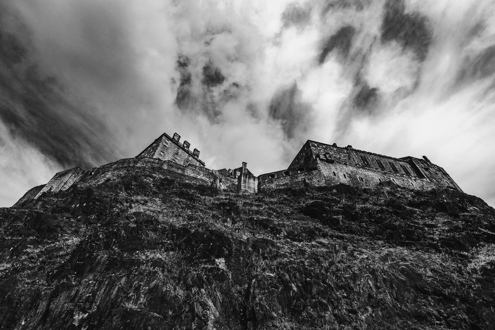 edinburgh-castle-rock