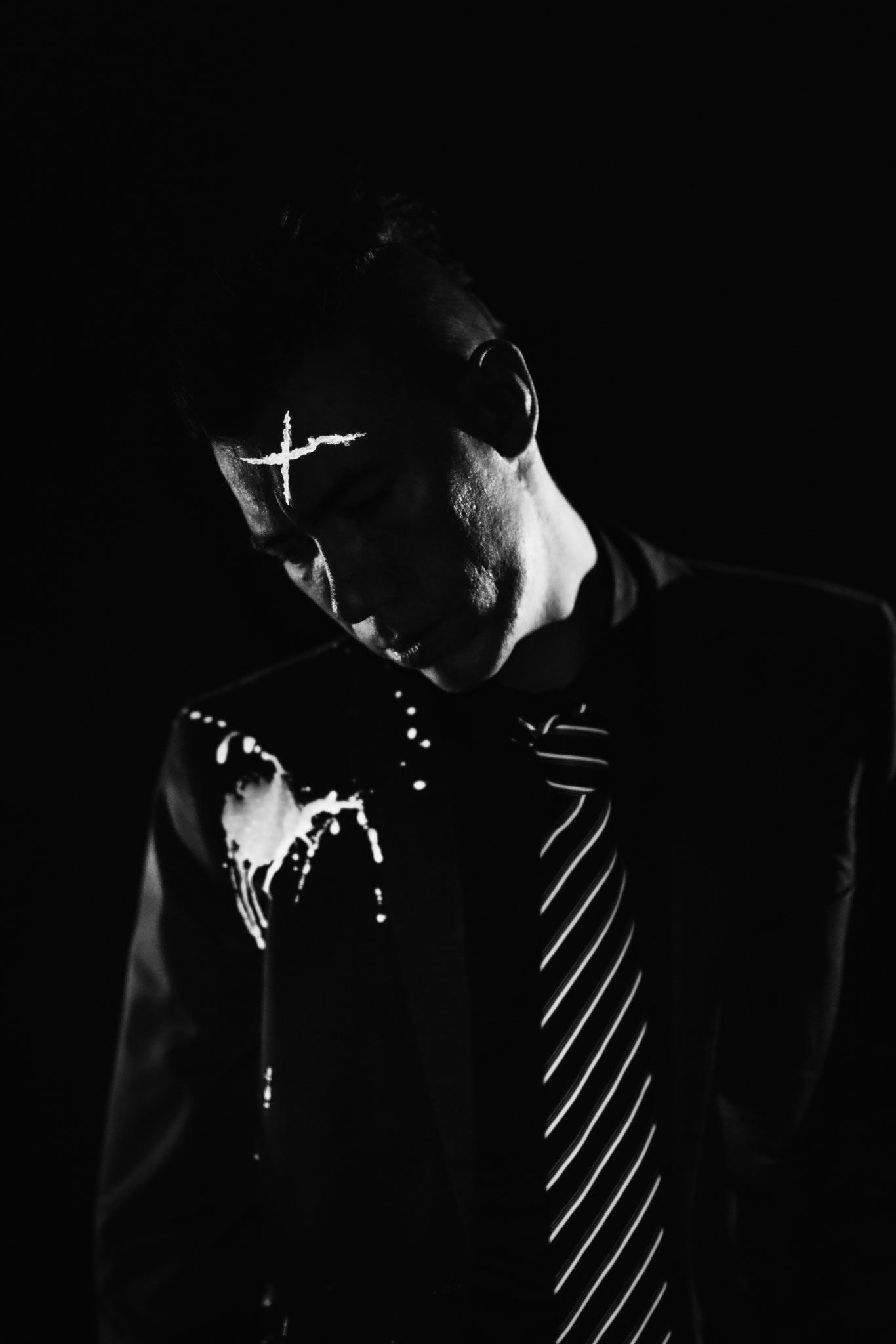 sin-city-cosplay-photoshoot-john-hartigan